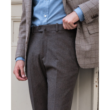 Classic cut – Plain flannel trousers - Brown